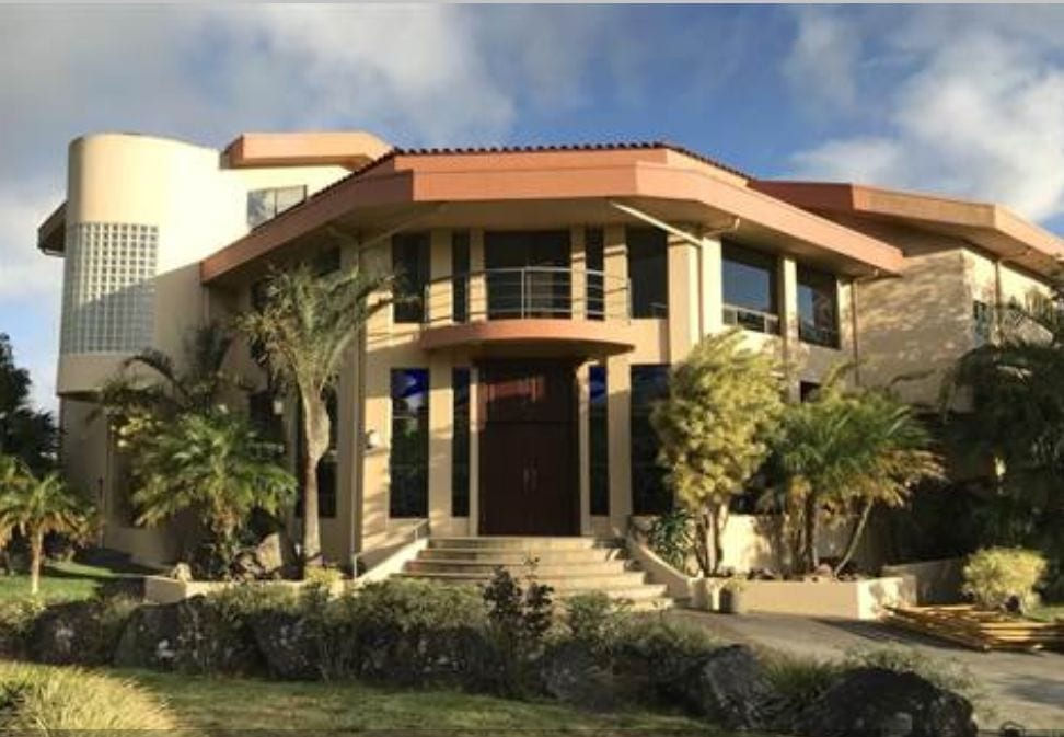 Spacious Mansion in San Rafael, Heredia